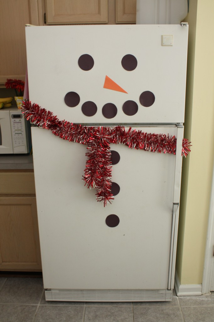 IMG 5190 e1354681129912 682x1024 Frosty the Snowman Fridge!